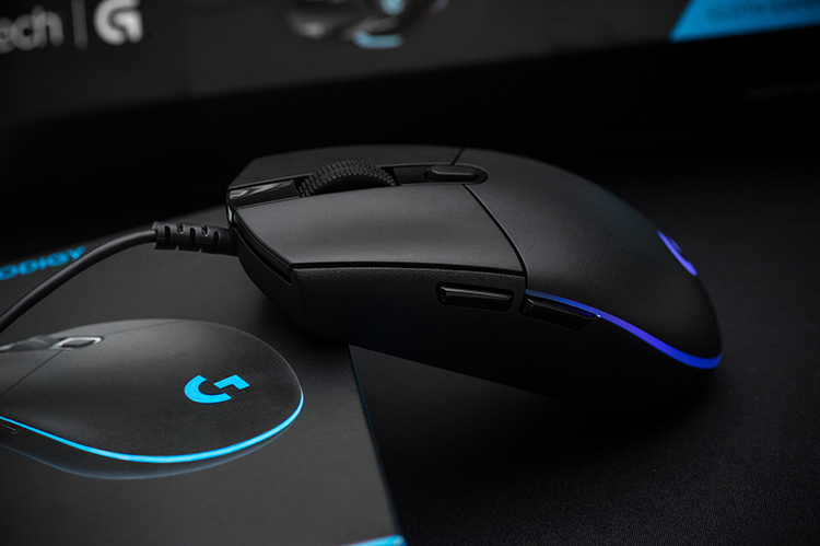 chuot game logitech g102