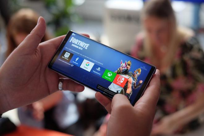 smart phone chơi game